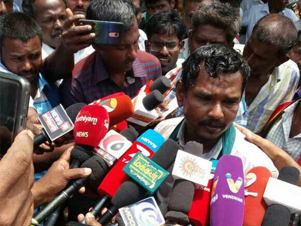 Try to fire the farmer in Tutucorin Collectorate Office