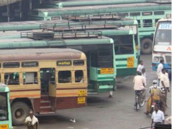 Karnataka buses stopped in Tamilnadu Border due to Cauvery issue