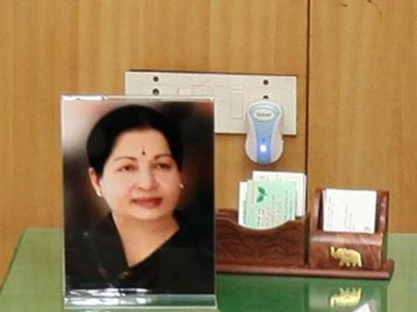 Madras HC dismissed the plea seeking removal of Jayalalitha photo from government offices