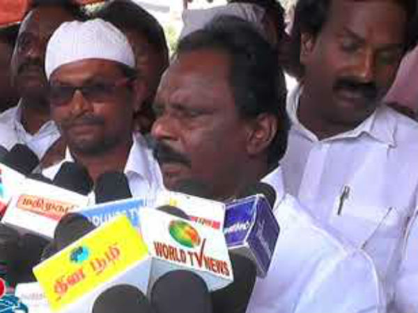 Thiuvallur District Collectrate closed for Party Protest