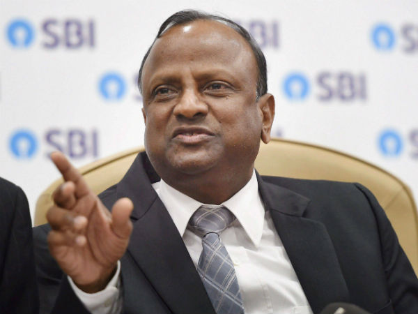 No currency shortage in country, says SBI chairman