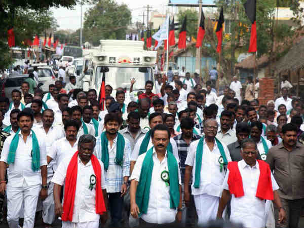 M.K.Stalin begins his cauvery rights ravel from Thanjavurs Annappanpettai for the 3rd day