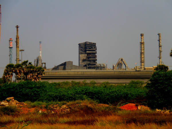 TN Pollution control board sends notice to Tuticorin Sipcot for illegally alloted land for sterlite