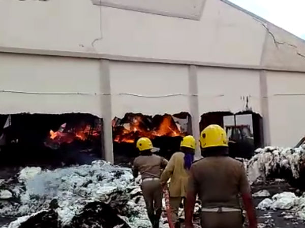 Fire at Cotton Godown at Alangulam