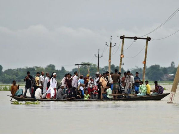 40 fear dead as boat capsizes in Godavari river