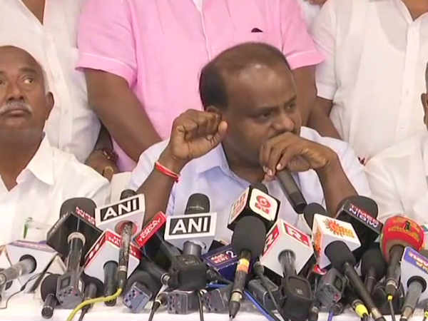 This is all bogus & fake news, There is no problem in alliance with Congress: Kumaraswamy