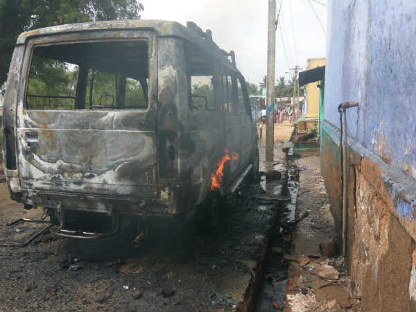 Car-vehicles were set on fire by riots near Periyakulam