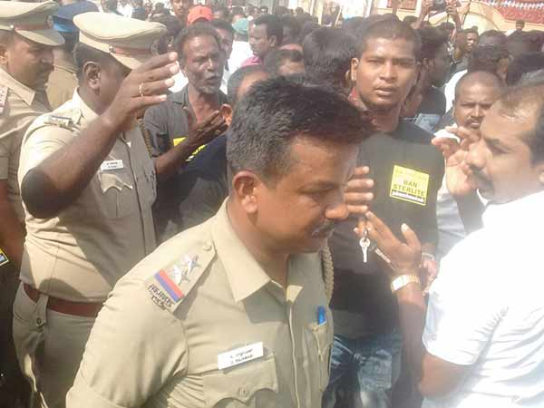 15 belongs to Makkal Athigaram Movement arrested