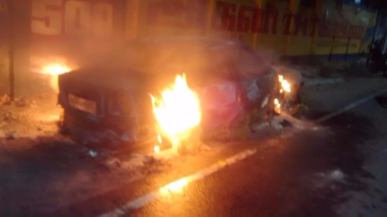 PMK district secretarys car fire in Tuticorin