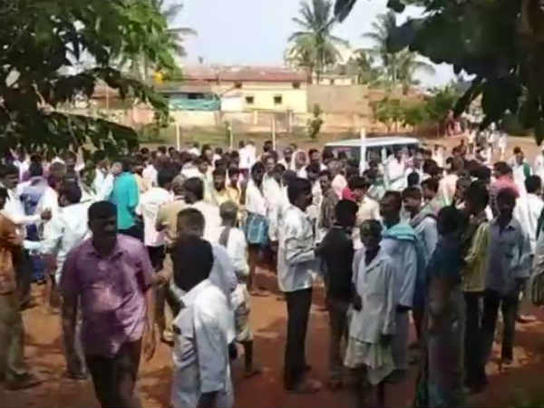 Cheyyur farmers protest against land acquisition for second airport