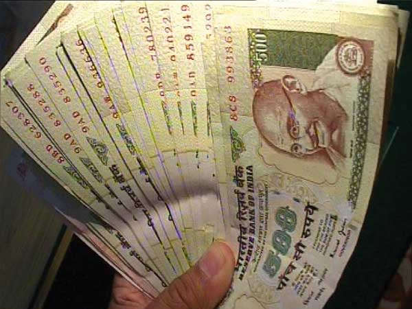 A man who had two hundred and half lakh rupees was arrested in Vellore
