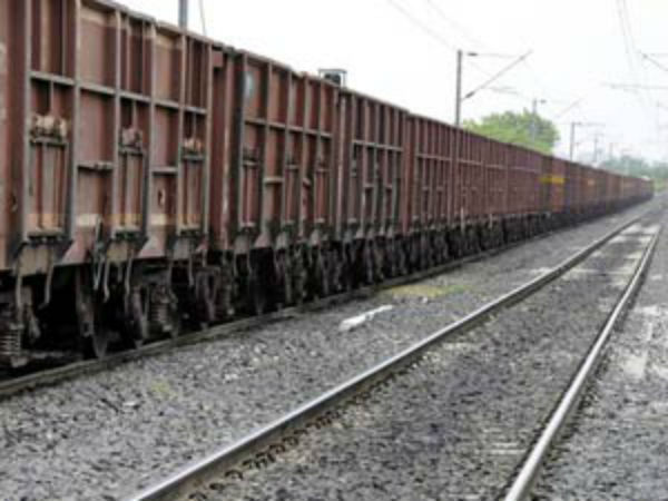 Eight coaches of goods train derailed near Katpadi