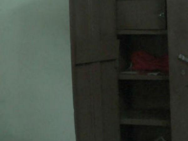 அடிக்கிறது கொள்ளை.. இதுல கோவம் வேறயா கோவம்.. வீட்டு பொருட்களை அடித்து நொறுக்கிய திருடர்கள்!
