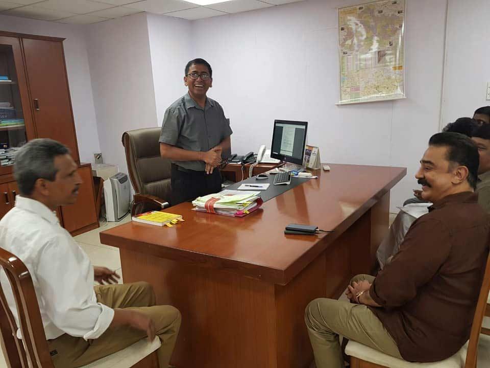 என் கட்சியை அங்கீகரியுங்கள்.. தேர்தல் ஆணையத்தில் நேரில் ஆஜராகி கமல் மனு
