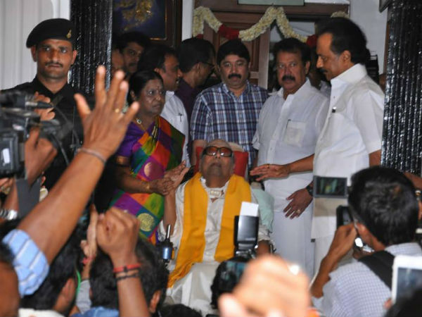 Karunanidhi meets his cadres today