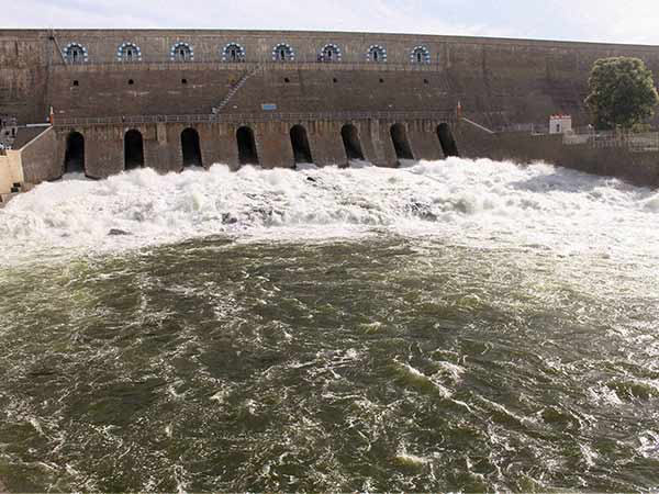 Mettur dam water level decreases as water from Karnataka gets low in last 2 days
