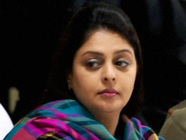 Actress Nakma dismissed from the post of Tamil Nadu womans congress incharge