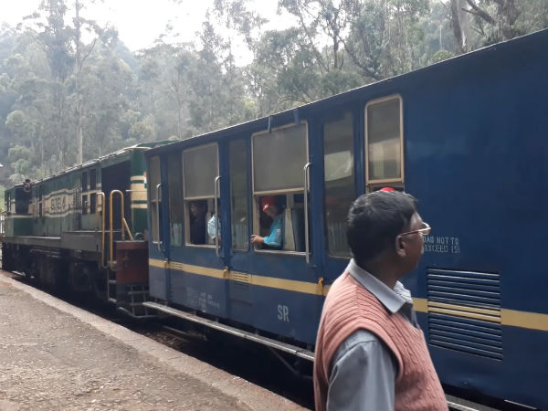 special-mountain-train-service-between-ooty-kathy
