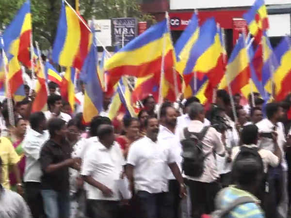 BJP and PMK cadres clash each other in Chennai TNagar