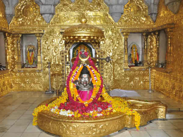 som var pradhosh is very auspicious to get the blessings of chandra
