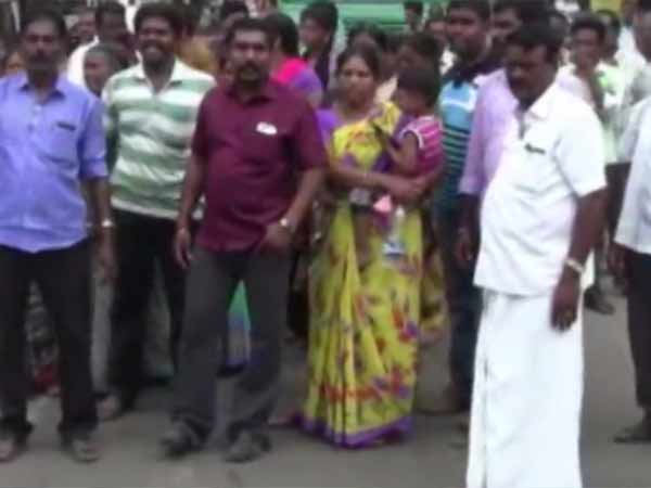 Farmers in Protest for opposing Land Accusation at Pallathur accuqisation
