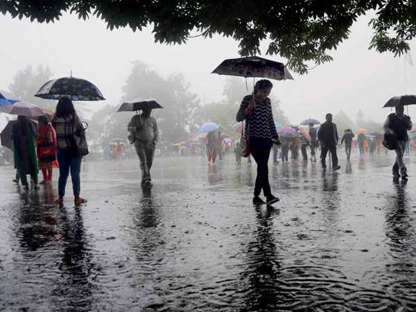 IMD issues warning of heavy rain, thunderstorms in several states