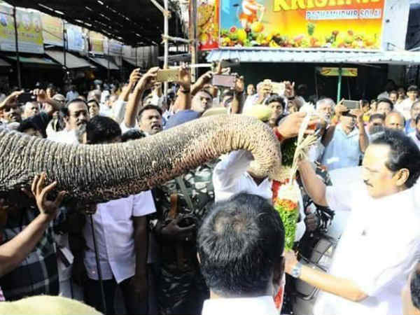 Stalin honoured by Poorna Kumbha at Srirangam Temple