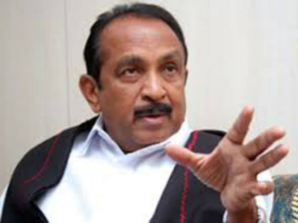 Vaiko helps a youth who met with an accident in Madukkarai