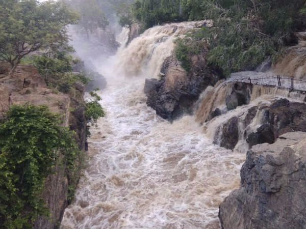 1,00,000 cubic feet of water released in Cauvery: Flood warning in Hogenakkal area