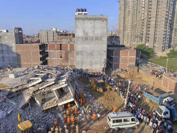 3 dead after building collapsed in Delhi