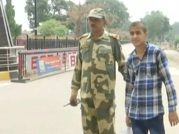 Dont Want to go Back to Pakistan, India is Good, Says 16-year-old boy