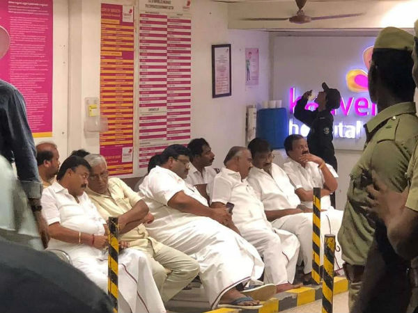 Karunanidhi Health Is Stable: DMK cadres are celebrating outside The Kauvery Hospital