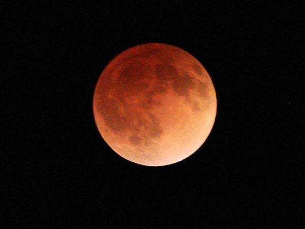 Longest lunar eclipse this century, People can see the Moon with their bare eyes
