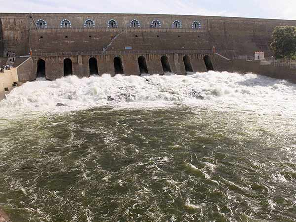 Mettur dam became festival spot by advent of people