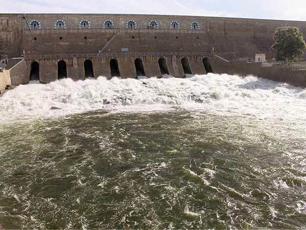 Water releasing increased from Mettur dam; district collector announced river flooding alert