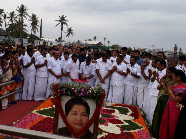 EPS and OPS pays tribute to Jayalalithas memorial
