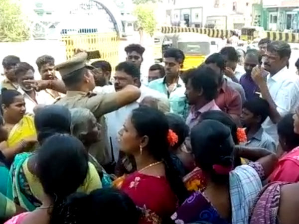 ADMK and AMMK party clashes each other