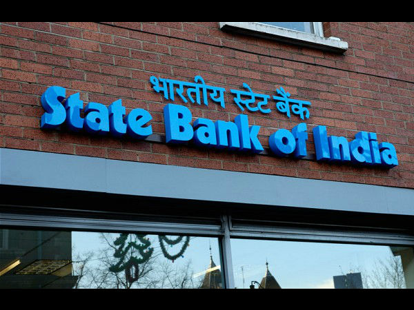 SBI tells its employees to return compensation paid for working overtime