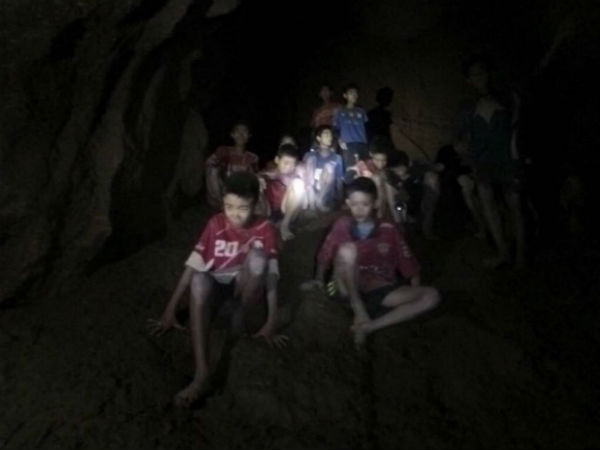 Thailand cave: 12 boys and the coach have rescued safely