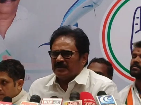 ADMK has no guts to question Governor says Thirunavukkarasar