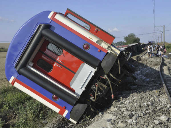 Major Train accident in Turkey: 10 people died, More than 80 people injured