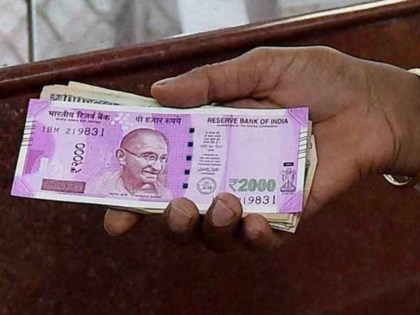 No proposal to withdraw Rs 2,000 notes: Minister