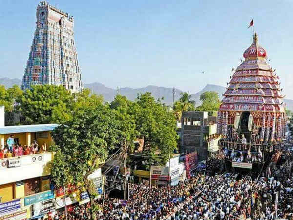Thousands devotees witness in Andal temple car festival