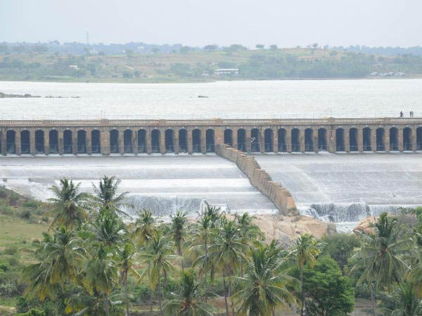 Flood warning in Cauvery surrounding: 1,40,000 cubic feet of water released in Cauvery