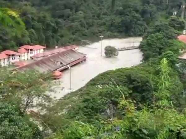 Devotees asked to avoid visiting Sabarimala as Pamba river overflows
