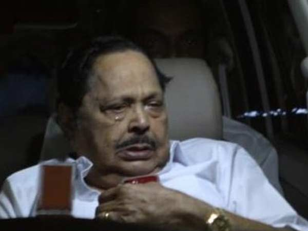 Duraimurugan eyes filled with tears