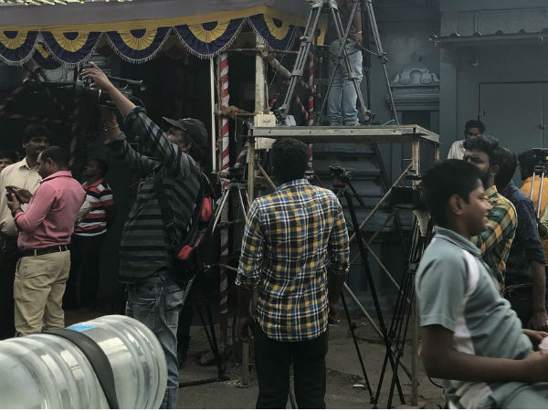 Kalaignar TV sets up outside Karunanidhi 's Gopalapuram residence