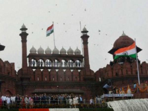 Plastic bottles, banana peels scattered in Independence day function at Red Fort in Delhi