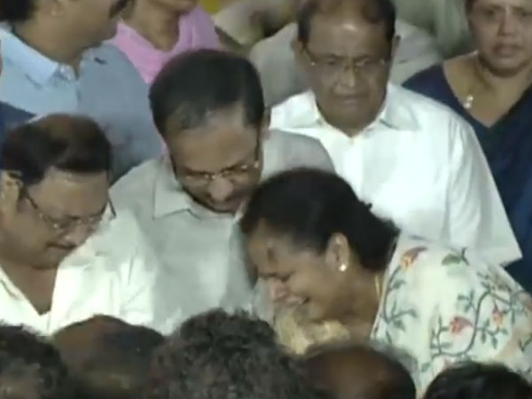 DMK leader Karunanidhi body buried in Marina near Anna Memorial