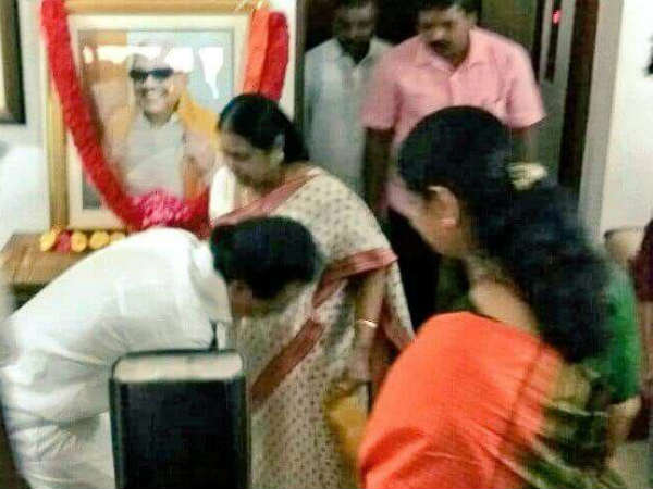 MK Stalin gets blessings from Rasathi Ammal